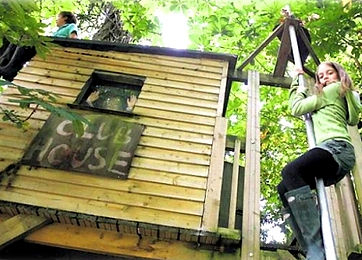 tree-house-firemans-pole