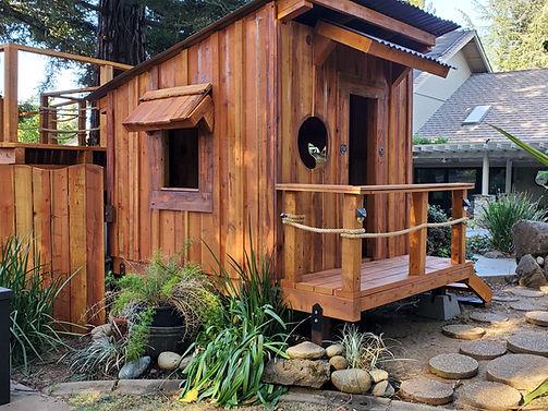 kids-playhouses-1[1].jpg