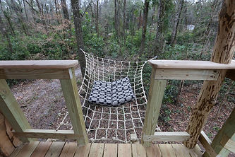 cargo-netting-beds-lounges-for-treehouses