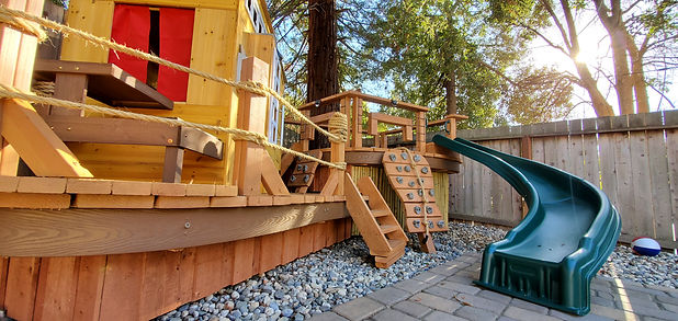 tiny-space-childs-playgrounds[1].jpg