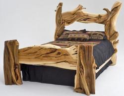 Rustic-Bedroom-Furniture-Juniper-Bed-500x390