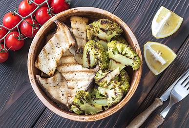 Kräuterseitlinge und Brokkoli vom Grill mit Dip