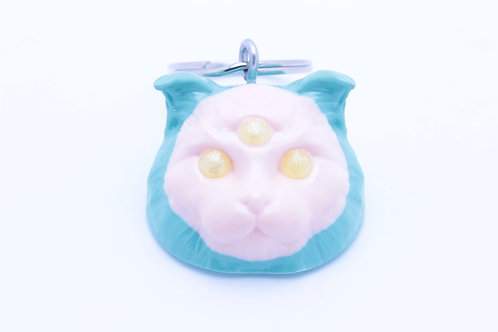 Scottish Fold 3 Eyed Resin Cat Keychain -  Green & Beige w. Yellow Sparkle Eyes