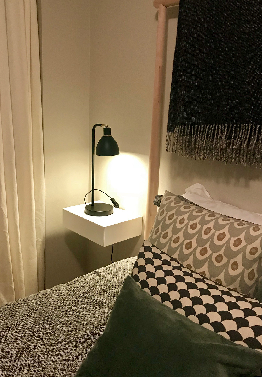 floating nightstand, floating bedside table, minimalist furniture, bedroom furniture small