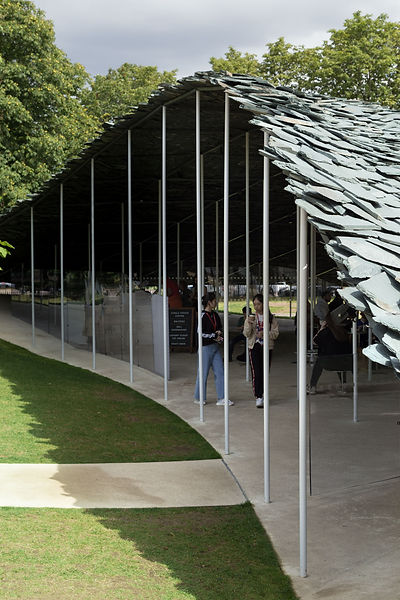 Serpentine Pavilion sun shadow