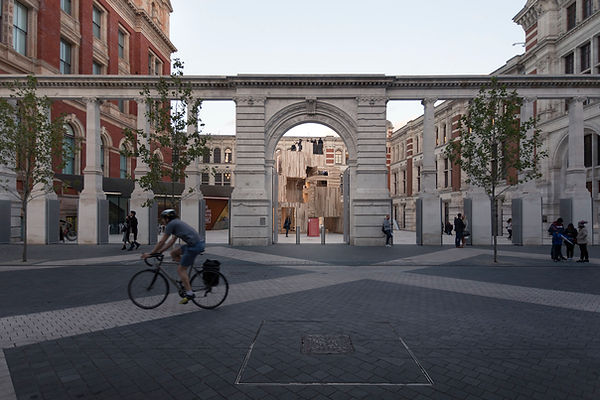 V&A Courtyard by ALA Exhibition Road