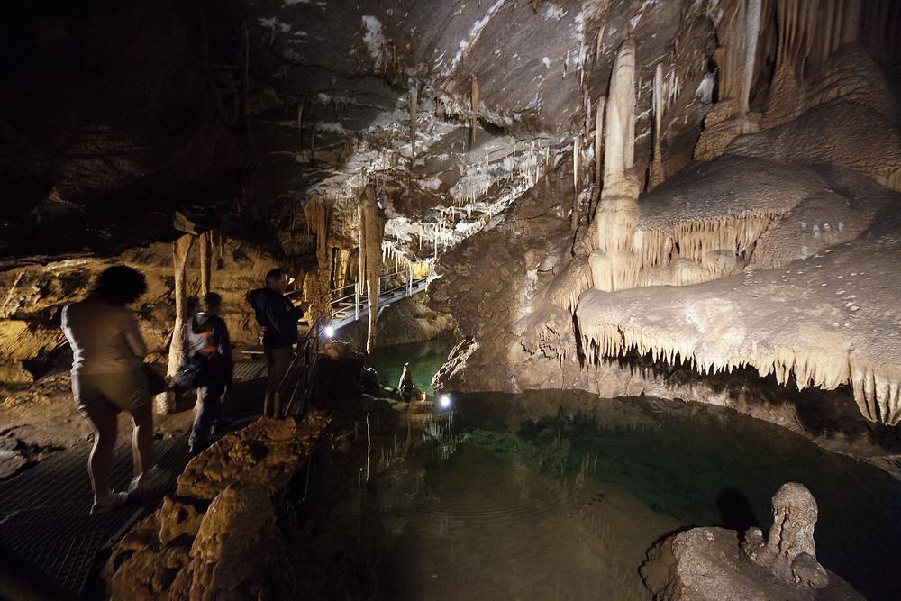 grotta-su-mannua-carsismo-lungo-il-cammino-minerario-di-santa-barbara-presso-il-tmepio-di-antas