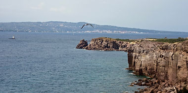 Faraglioni Nido dei Passeri con Faro e S