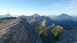 Viaggio trekking Alta Via 1 in Dolomiti   Vacanza di gruppo a piedi itinerante in Dolomiti