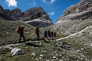 Viaggio trekking Alta Via 1 in Dolomiti   Trekkilandia   salita alla Forcella del lago