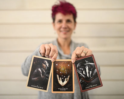 women's empowerment coach, personal transformation, personal growth, inner wisdom, oracle cards, tarot cards, tarot reading, women's life coach