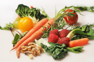 *Guest Post* Simple Ways to Sneak Healthy Food Into Your Diet