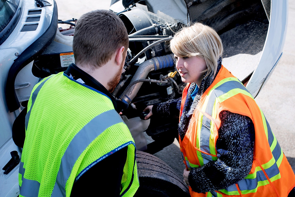 trucking student does one-on-one in-cab training
