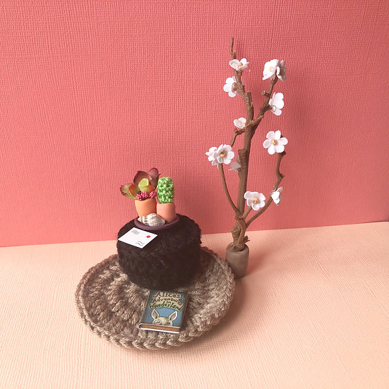Miniature Lounge set and accessories