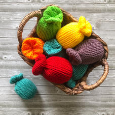 knit water balloons