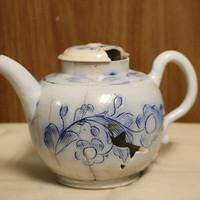 scratch blue teapot