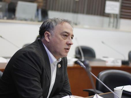 Radicado proyecto de ley que busca legalizar plataformas digitales y desmontar cupos de taxis