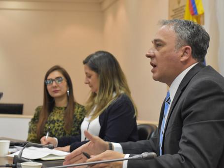 """""""No más tercerización en el sector de la salud"""" representante Carlos Acosta"""