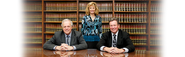 2014-waggoner-attorneys-group-photo.png