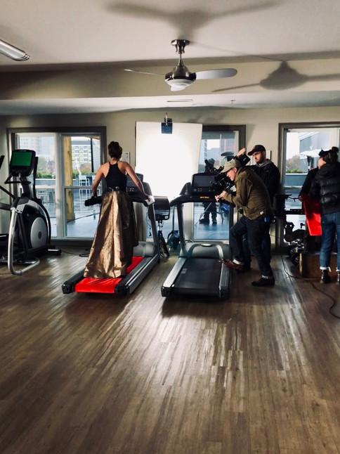 Amanda Ayres behind the scenes for GEICO