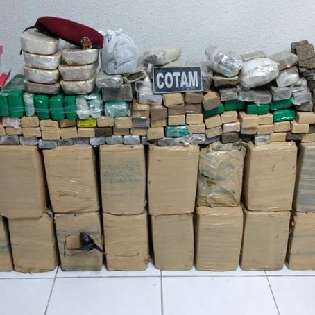 PMCE apreende quase meia tonelada de drogas em Pacatuba
