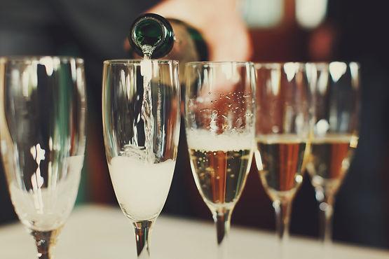 116251724-IVASHstudio-champagne toasts.j