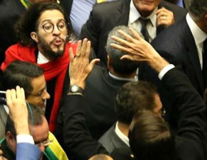 Jean Wyllys, Brecht e Bolsonaro