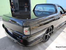 VS V8 Ute Black