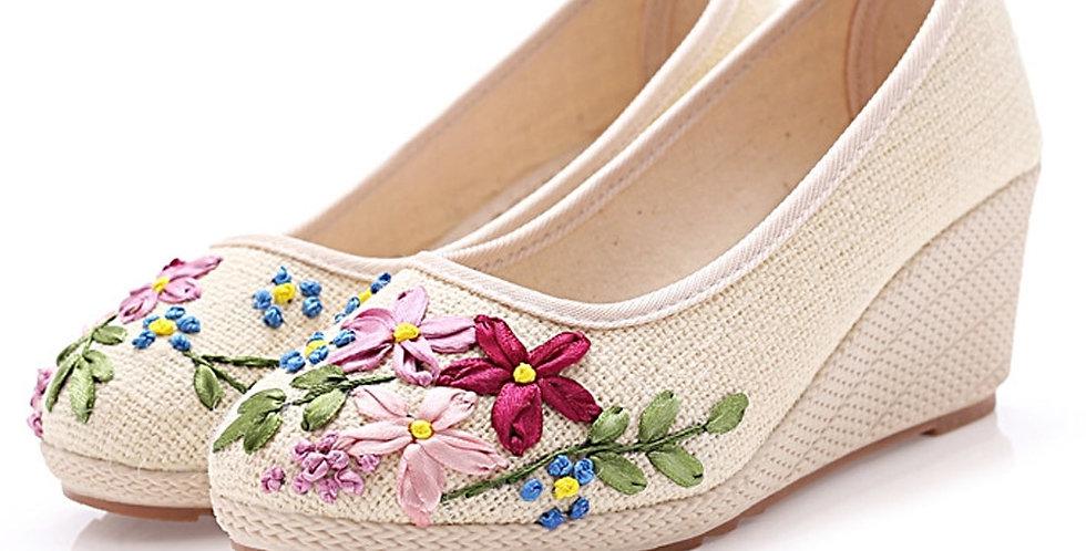 Floral Slip on Shoes Natural Linen