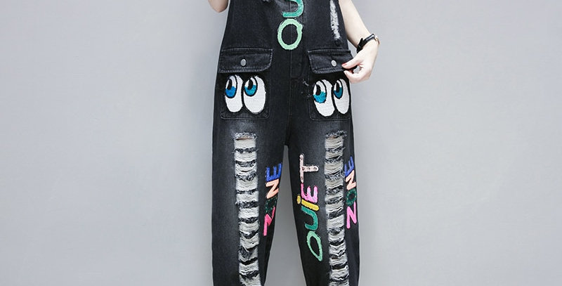 Cartoon Pattern Embroidery  Cropped Denim Overalls  Plus Size