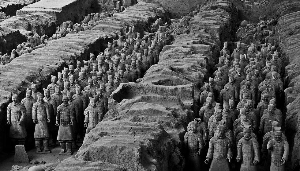 terracotta-army-1864972_B&W.jpg