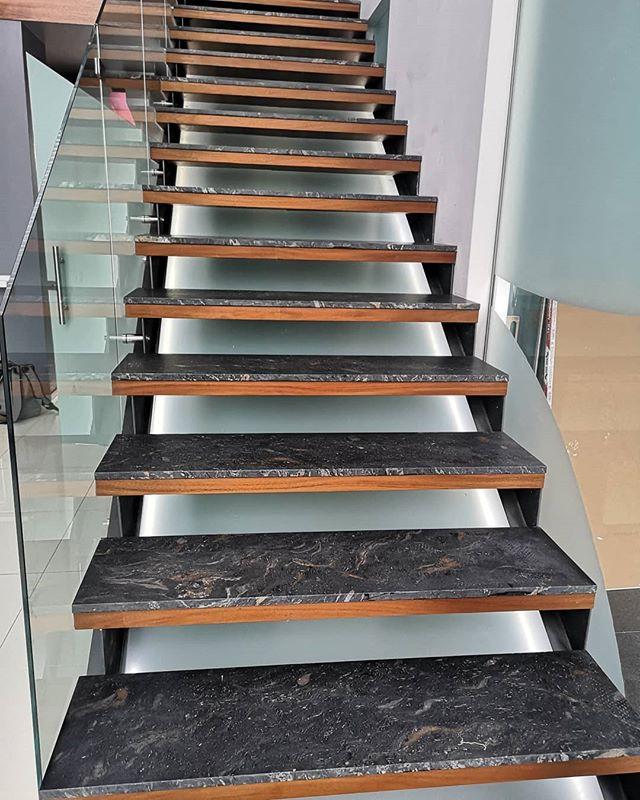 #escaleras #granito _fularquitectura