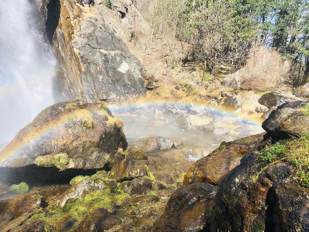 Water falls / chute d'eau / arc-en-ciel