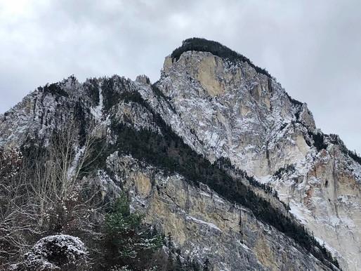 Au pied des montagnes