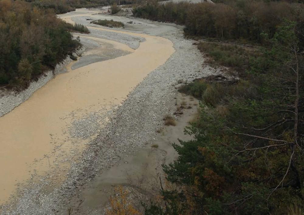 Rivière sauvage - Rivière de montagne - Prospection