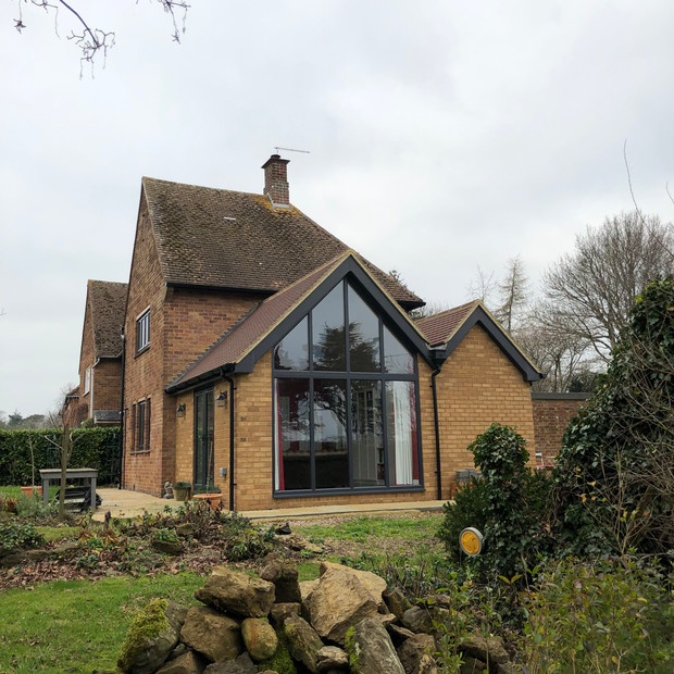 Feature home extension Hellidon