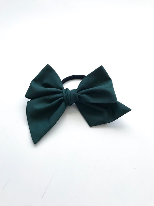 School Collection // Sissi Bow // Verde Botella
