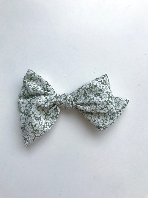 Sissi Bow // Countryside Flowers