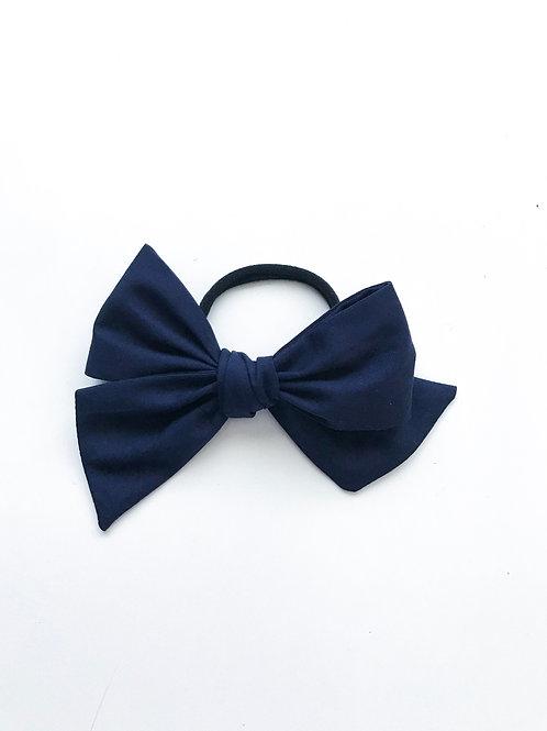 School Collection // Sissi Bow // Azul Marino