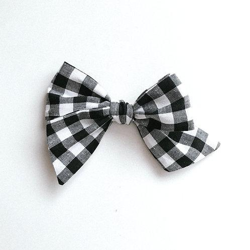 Sissi Bow // Black & White