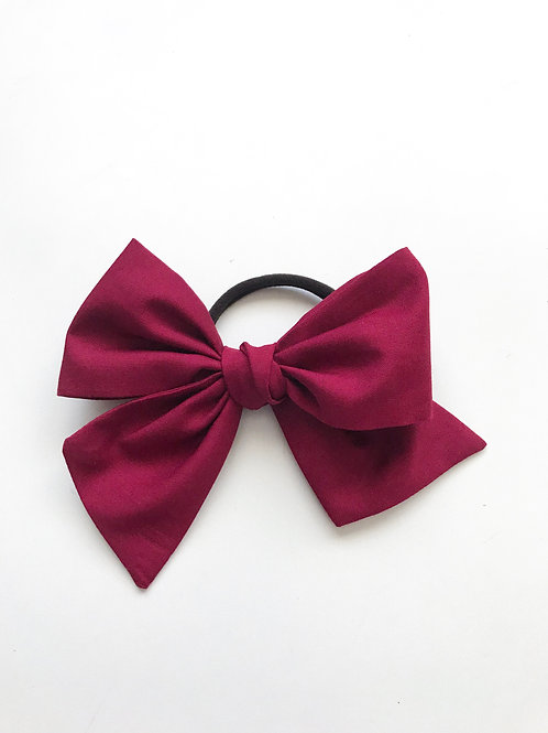 School Collection // Sissi Bow // Granate