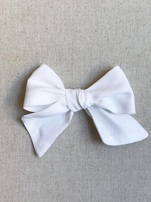 Sissi Bow // Lino Blanco