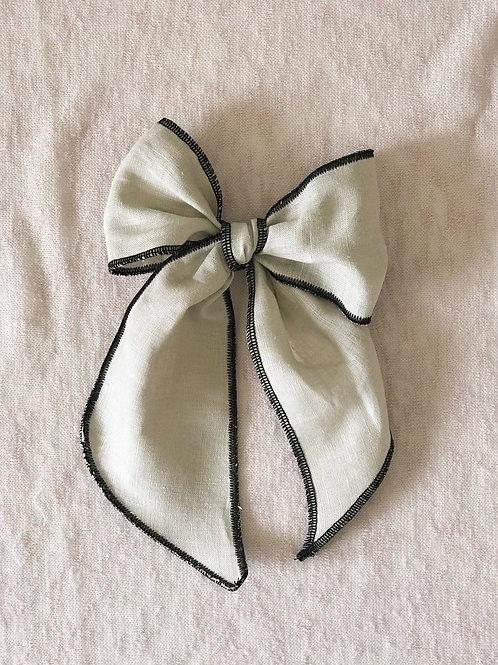 Ceremony Collection // Lino Natural Overlock Negro
