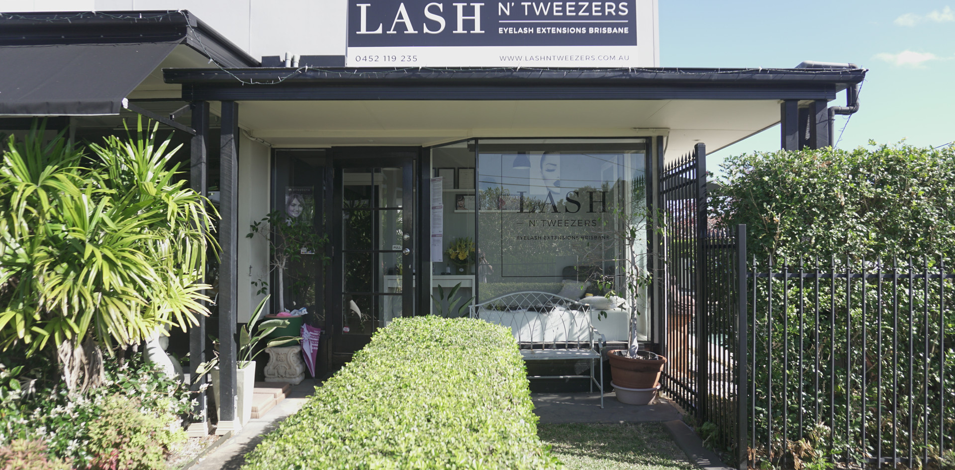 Lash N Tweezers Salon
