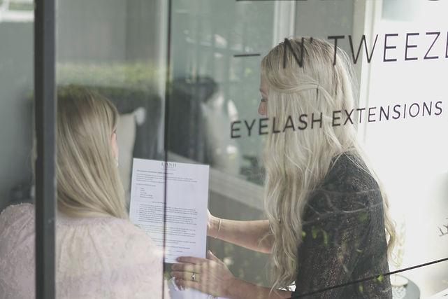 Lash N Tweezers Home Page, salon in wavell heights