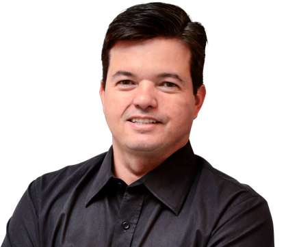 Dr. Roberto Pinheiro dentista em Juazeiro do Norte Invisalign alinhador Transparente
