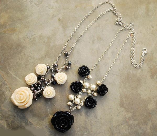 black&white roses