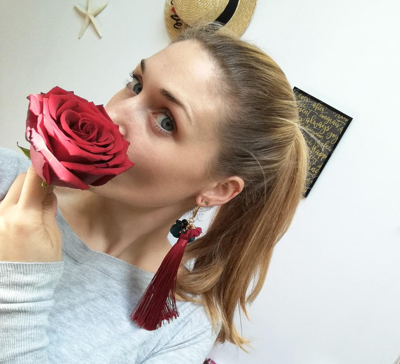 ozdobny kolczyk z kwiatami <3