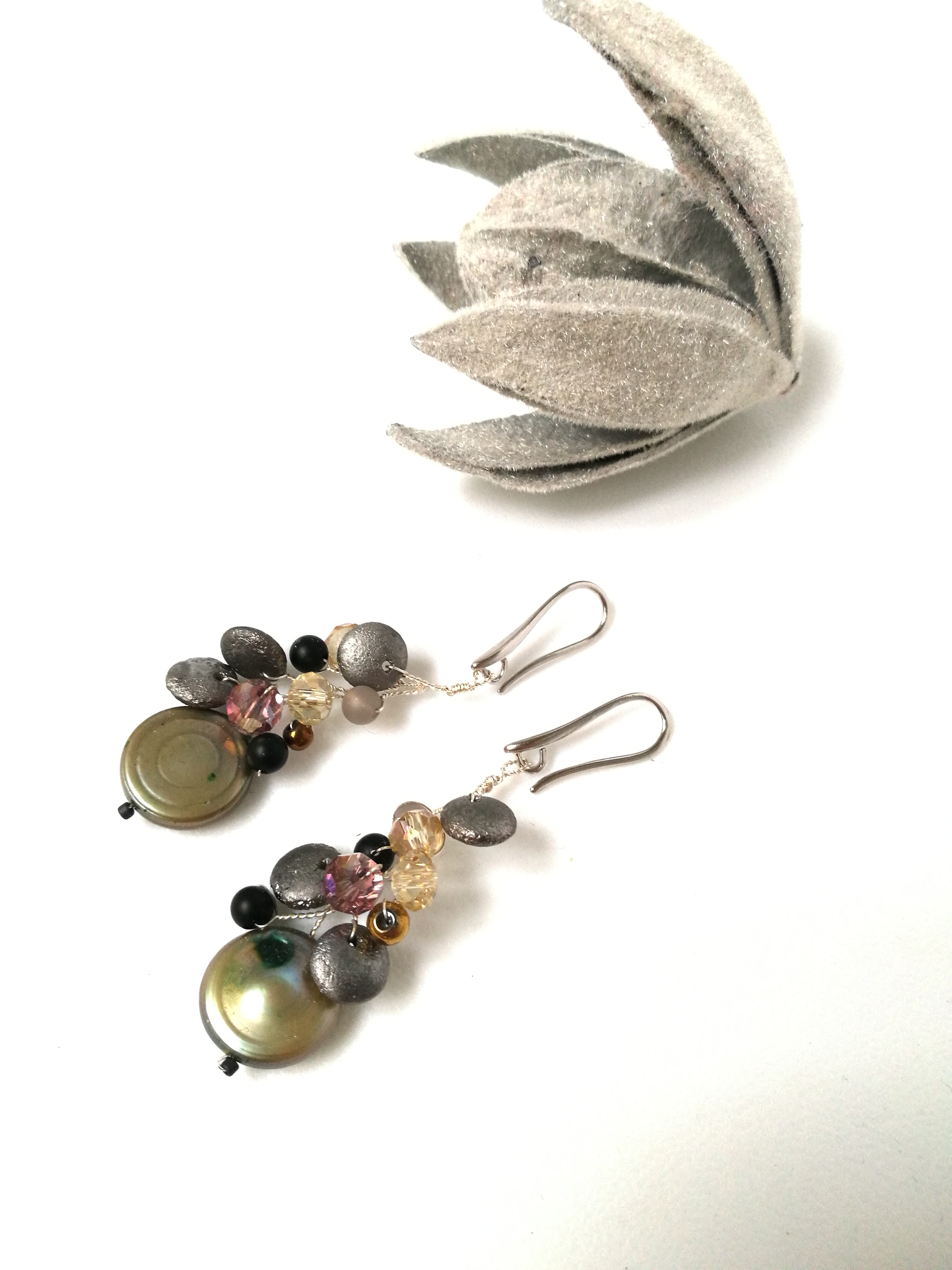 perła z kryształami, szłem i agatem