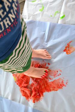 malowanie stopami